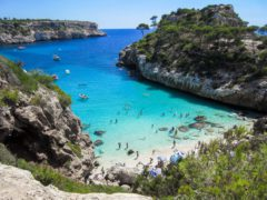 How to rent a boat in Mallorca?